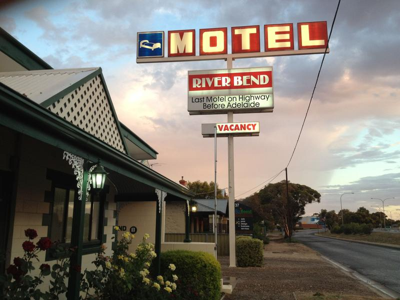 Riverbend Motel